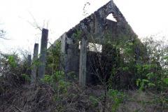 rozpadlá budova správy národního parku, N.P. Ankarana