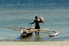 rybář a loď, Madagaskar