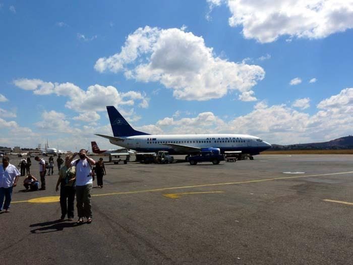 Aye-Aye expedition, letiště Ivato, Madagaskar