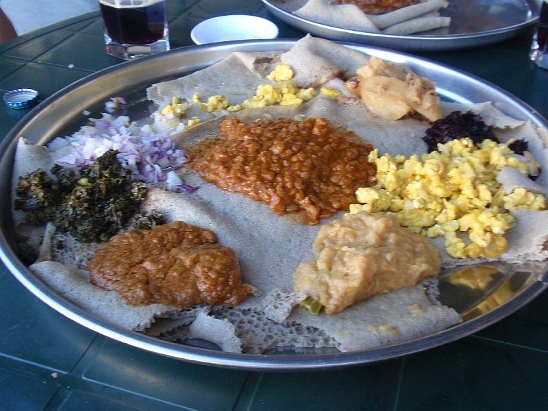 Indžera - typické etiopské jídlo, Etiopie (foto: Víťa Glomb)