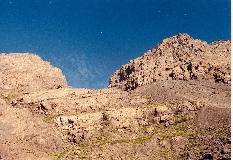 Sedlem na vrchol Tubkalu (Tubkal, Maroko)