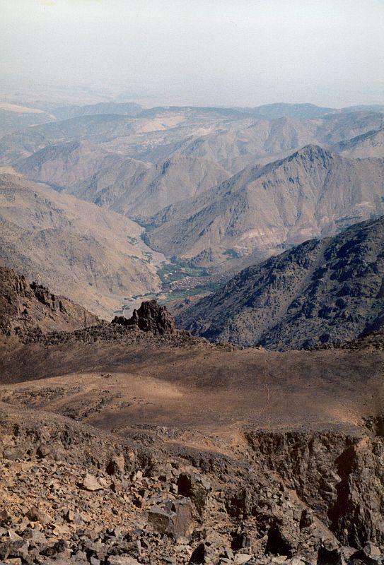 Pohled z vrcholu Tubkal  (Tubkal, Maroko)