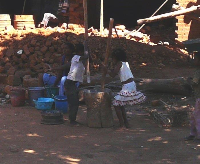 Aye-Aye expedition, pracující děti, Madagaskar