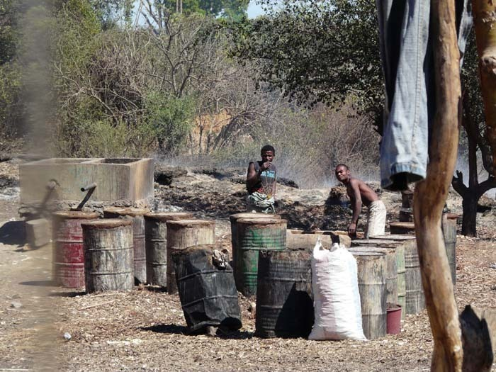 výroba dřevěného uhlí, Madagaskar