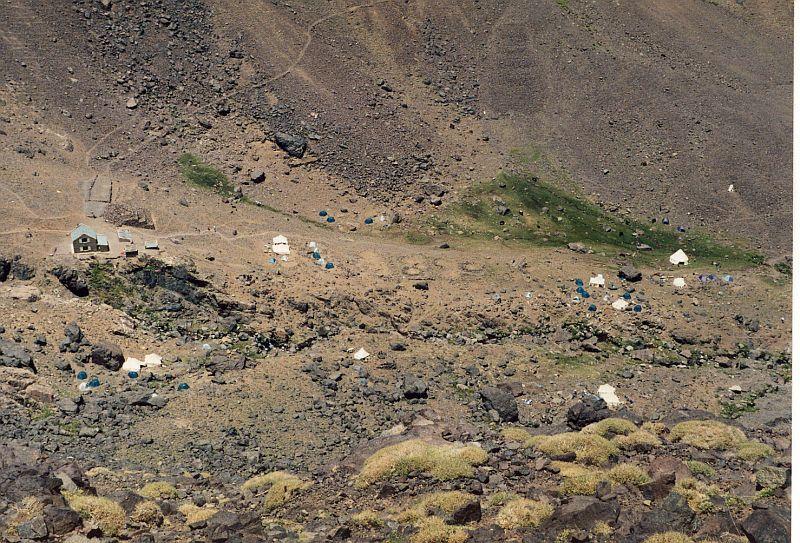 Tábor pod sedlem (Tubkal, Maroko)