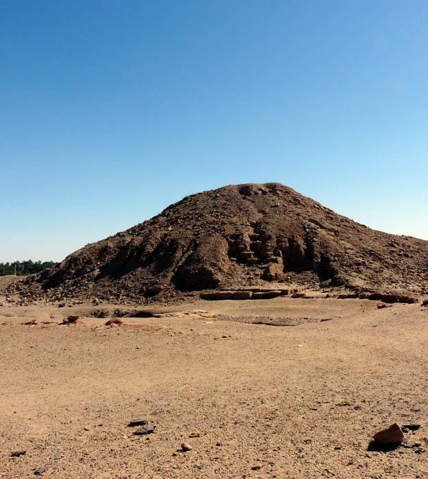 Piyova pyramida a zádušní chrám