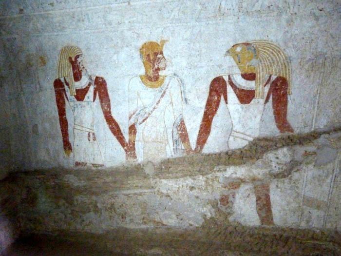 Qalhata  vstupující do hrobky