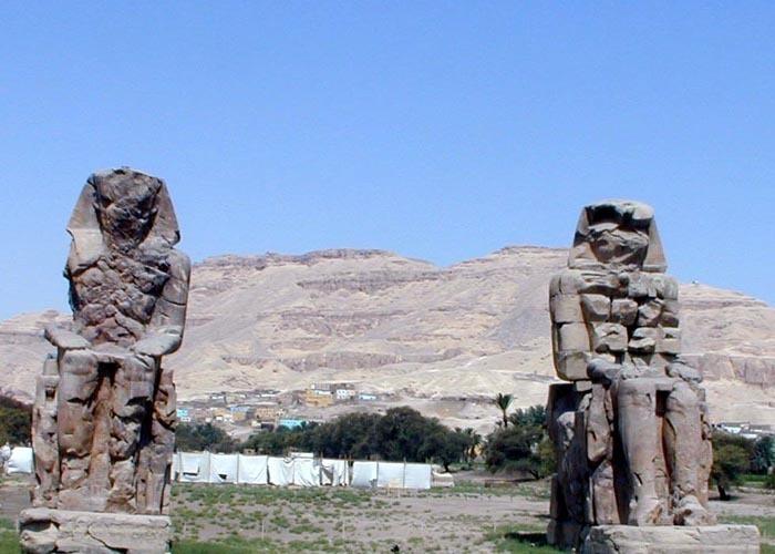 Ondřej Zikán - Memnonovy kolosy