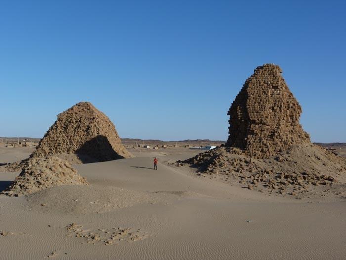 Pyramidy v Nuri