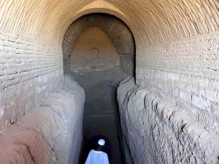 vstup do hrobky