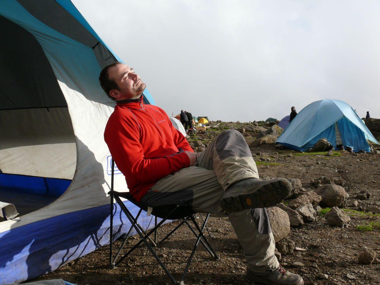 Zasloužený odpočinek v kemou Shira, Kilimandžáro