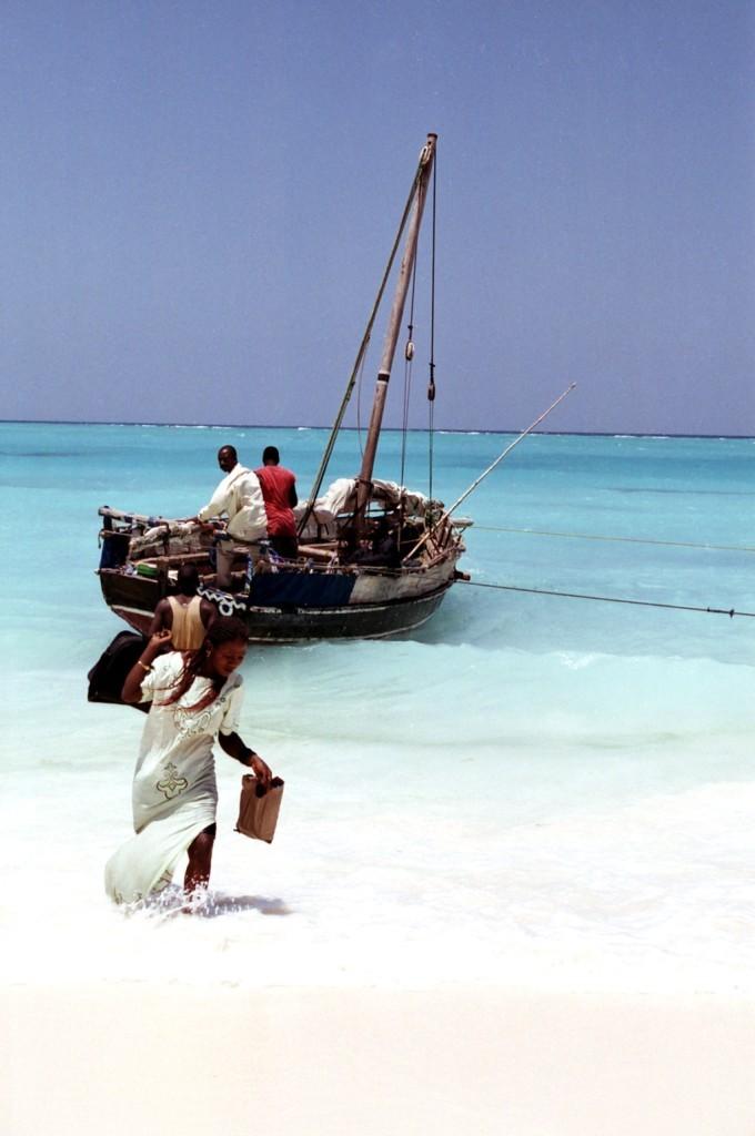 Výsadek v Nungwi na Zanzibaru (foto: Jaromír Němec, Tanzanie)