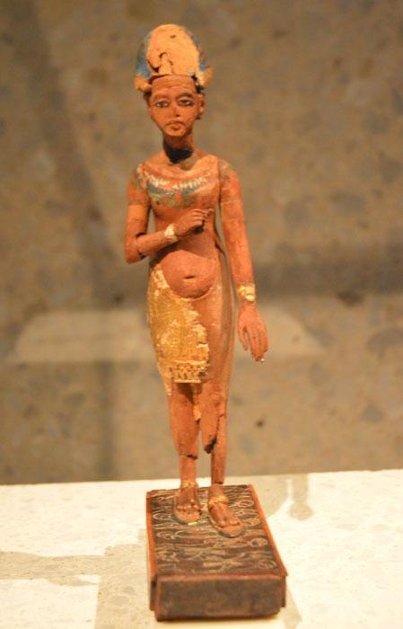 soška Achnatona_nebo_Tutanchamona