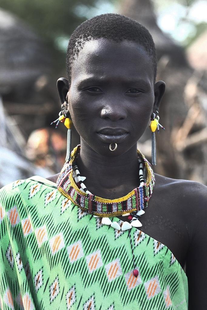 Steve Evans: dívka kmene Toposa