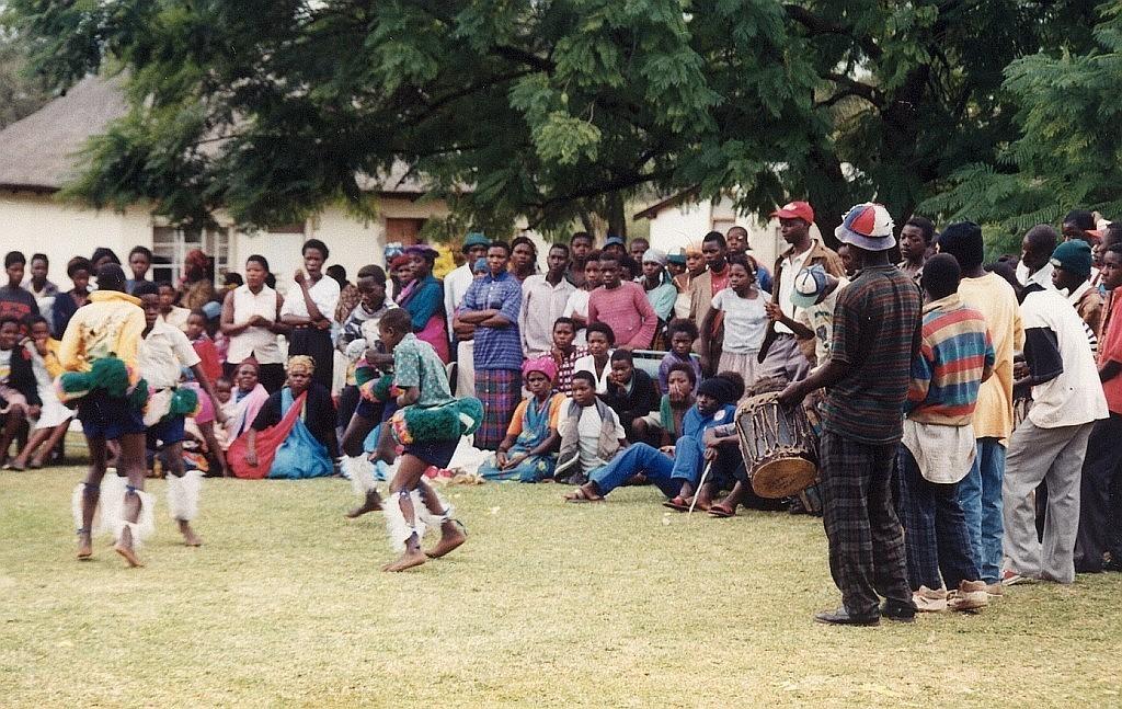 Tančící chlapci národa Tsonga