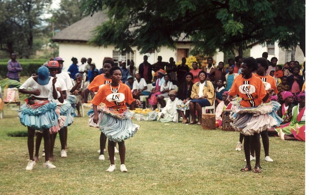 Tančící dívky národa Tsonga