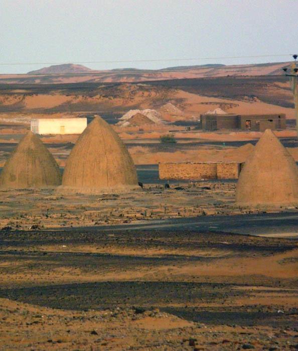 muslimský hřbitov v Dongole