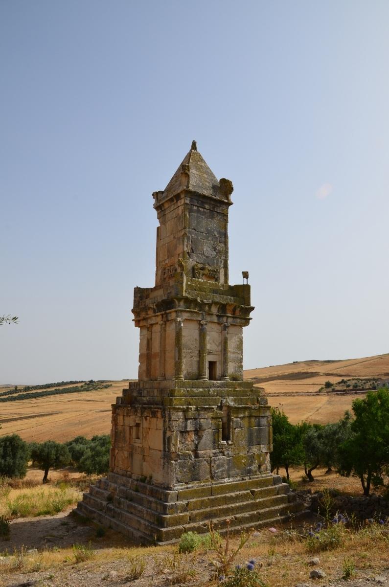 Punská hrobka Dougga (Autor: Richard Mortel)