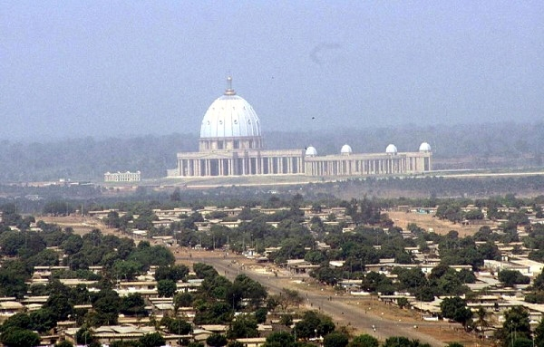 Yamoussoukro, Basilika Notre Dame de la Paix, Pobřeží slonoviny