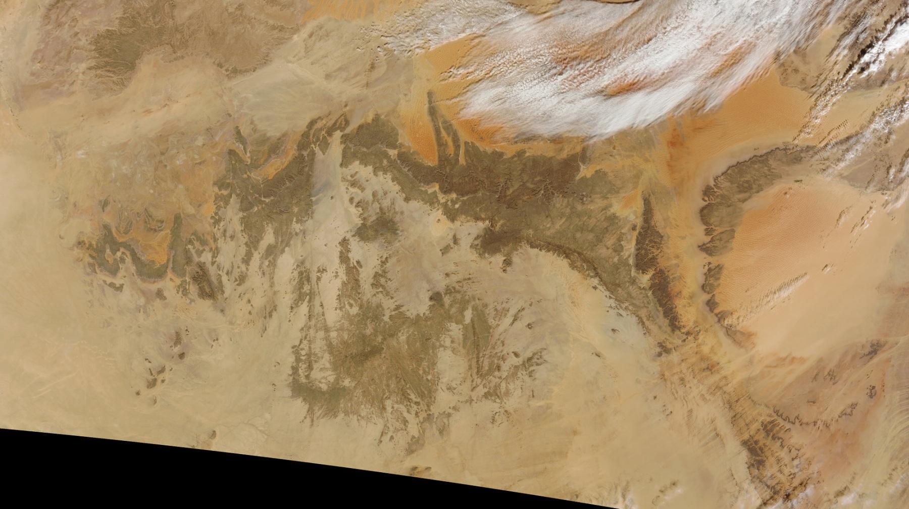 Satelitní snímek pohoří Ahaggar a Tassili-n-Adžer
