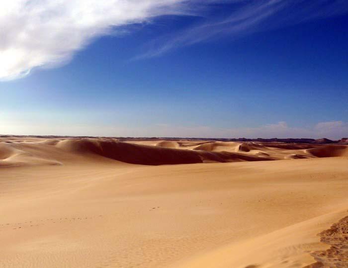 Písečné duny - Libye; foto: Vladimír Zikán