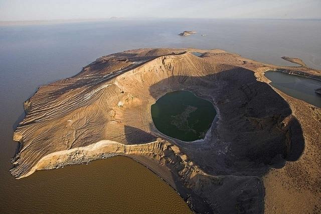 Jezero Turakana (Autor: Adam - Flickr.com)