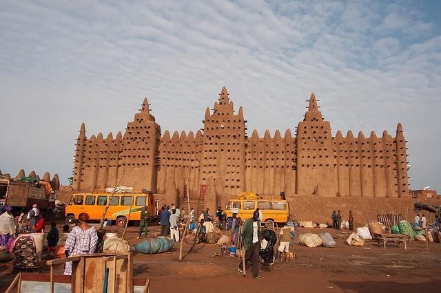 qiv: mešita v Djenné
