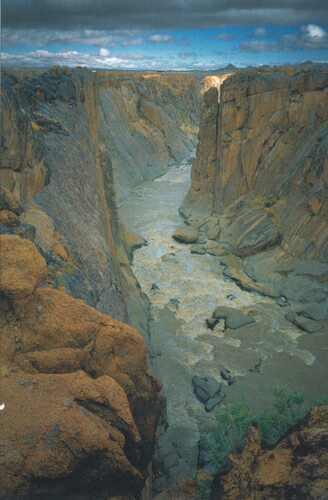Kaňon řeky Orange pod vodopády Augrabies